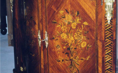 A Pair Of Louis XVI Floral Marquetry Encoignure restoration 02