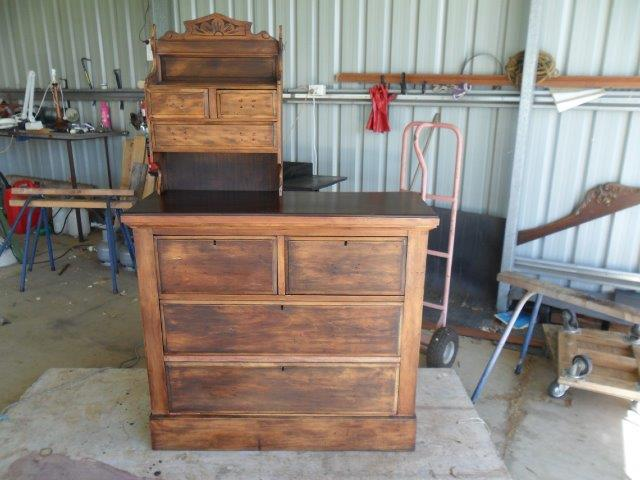 Dressing table restoration during