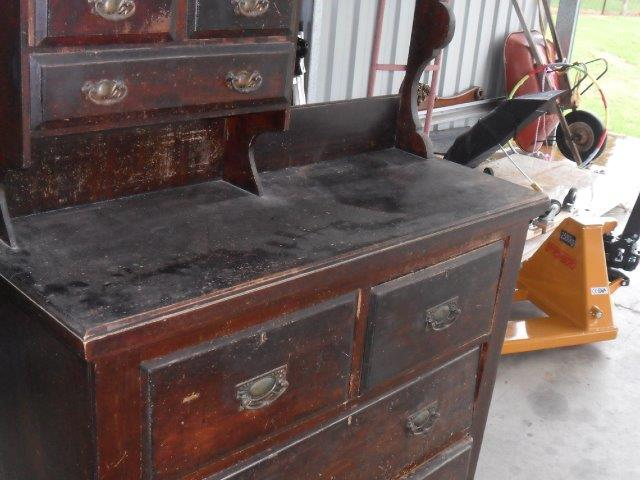 Dressing table restoration start